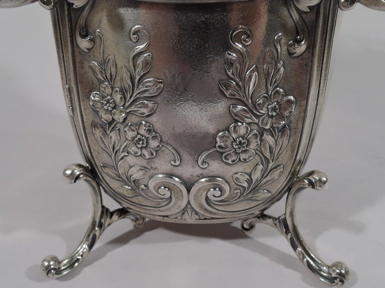 Antique Durgin Rococo Revival Sterling Silver Sedan Chair Vase For Sale 2