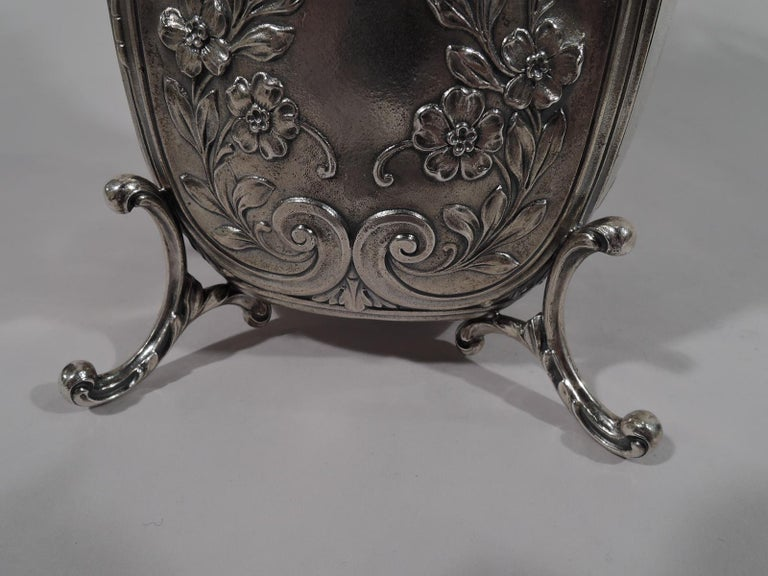 Antique Durgin Rococo Revival Sterling Silver Sedan Chair Vase For Sale 3
