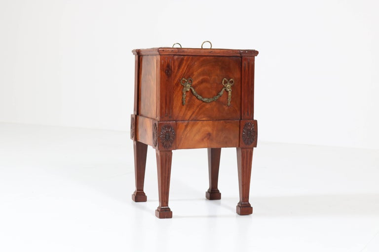 Antique Dutch Mahogany Louis XVI Jardinière or Wine Cooler, 1790s For Sale 1