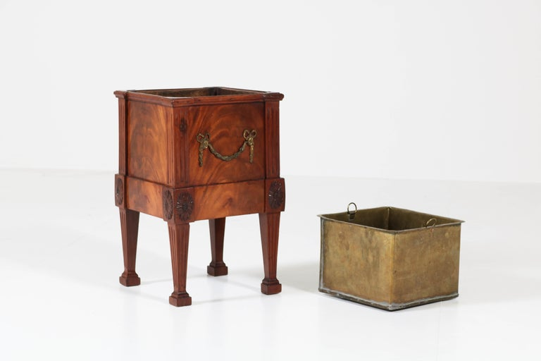 Antique Dutch Mahogany Louis XVI Jardinière or Wine Cooler, 1790s For Sale 2