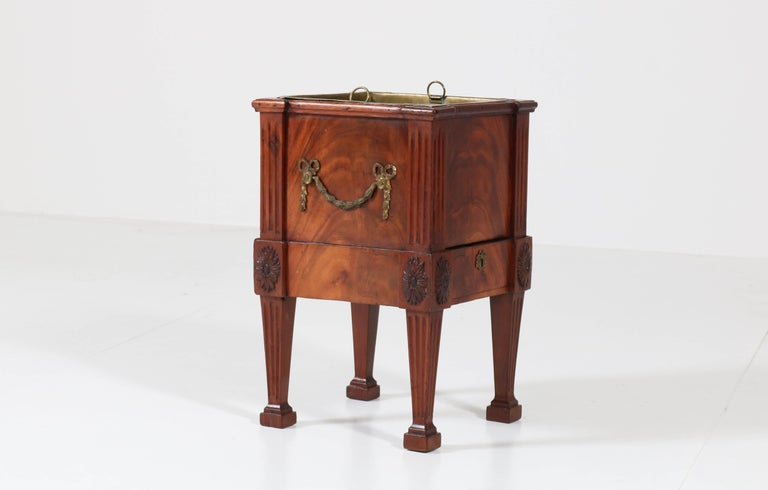 Antique Dutch Mahogany Louis XVI Jardinière or Wine Cooler, 1790s For Sale 3