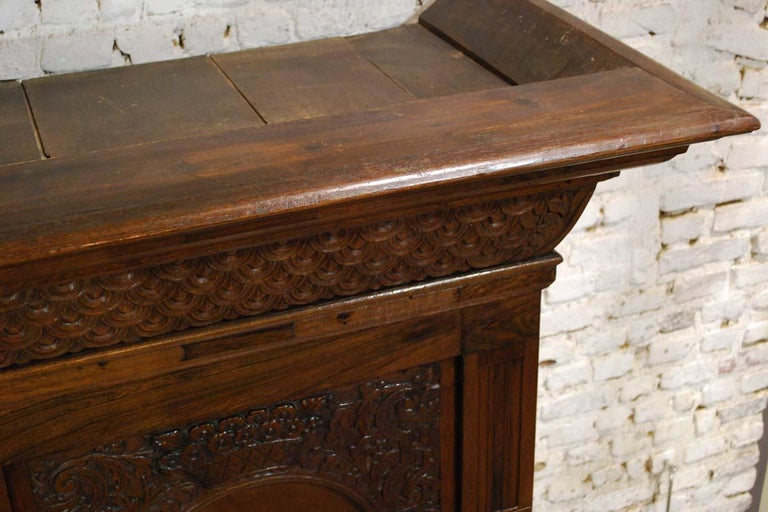 Antique Dutch Renaissance Oak  Cabinet For Sale 7