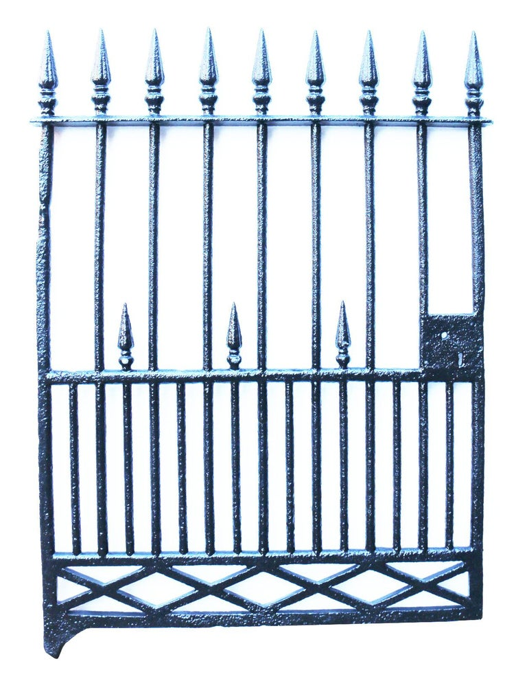 English Antique Early 19th Century Cast Iron Pedestrian Gate For Sale