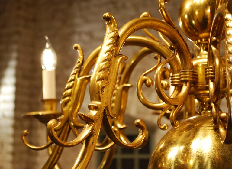 Antique Early 20th Century Dutch Brass Chandelier with Eight Arms For Sale 3