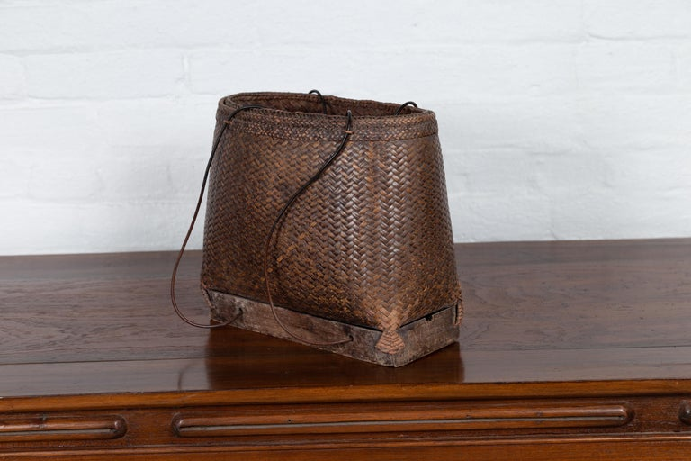 Antique Early 20th Century Small Woven Grain Basket from the Philippines For Sale 2