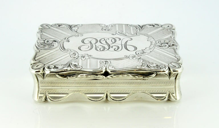 Antique Early Victorian Sterling Silver Cigarette Box, Birmingham, 1848 In Good Condition For Sale In Braintree, GB