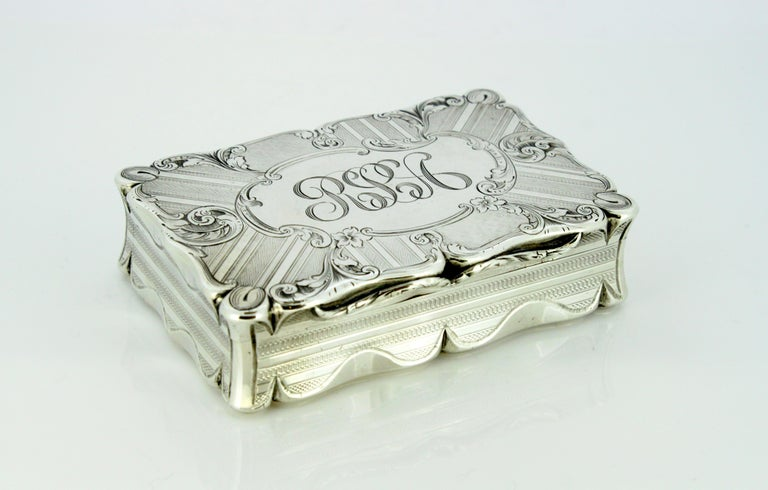 Mid-19th Century Antique Early Victorian Sterling Silver Cigarette Box, Birmingham, 1848 For Sale