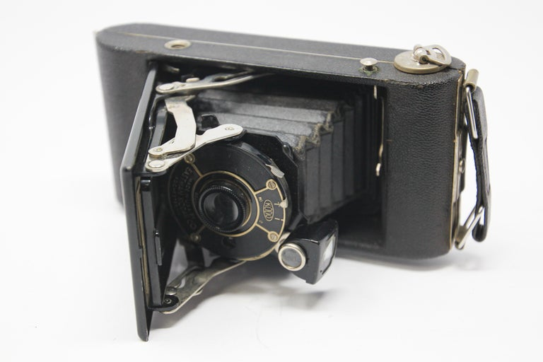 Art Deco Antique Eastman Kodak 3A Folding Pocket Camera with Leather Case For Sale