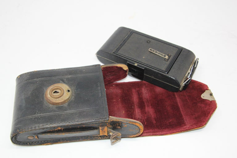 20th Century Antique Eastman Kodak 3A Folding Pocket Camera with Leather Case For Sale