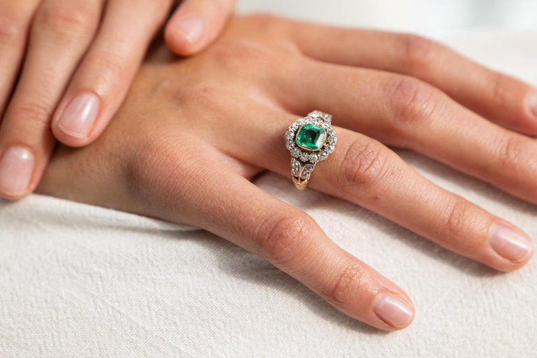 Women's Antique, Edwardian, 18 Carat Gold, Garland Style, Emerald and Diamond Ring For Sale