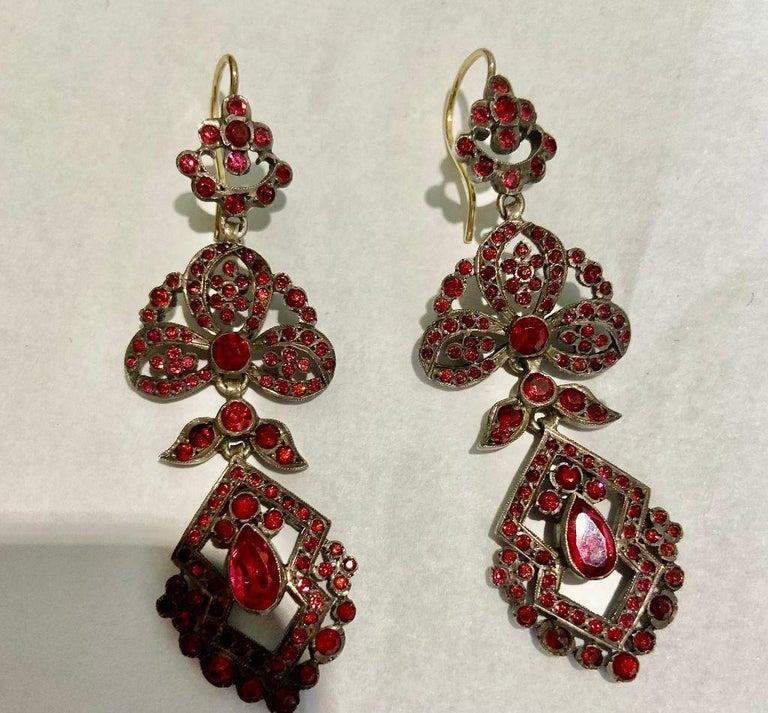 Antique Edwardian Chandelier Earrings of Pink For Sale 1