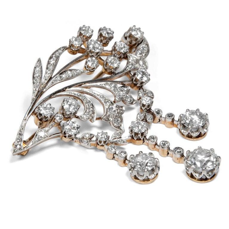 Belle Époque Antique Edwardian circa 1900 Certified 5.93 Carat Diamond Garland Style Brooch For Sale