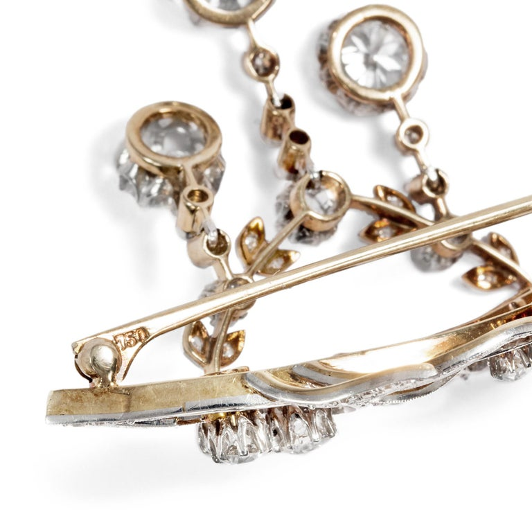 Antique Edwardian circa 1900 Certified 5.93 Carat Diamond Garland Style Brooch For Sale 1