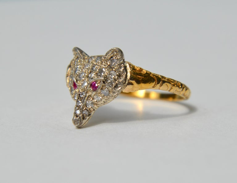 Gorgeous English origin Edwardian era early 1900s 18K yellow gold with sparkling round cut diamonds and natural ruby fox ring. Size 8.5, can be resized. Ring is marked and tested as solid 18K gold. Face of fox measures 13 x 14mm, and is also 18K