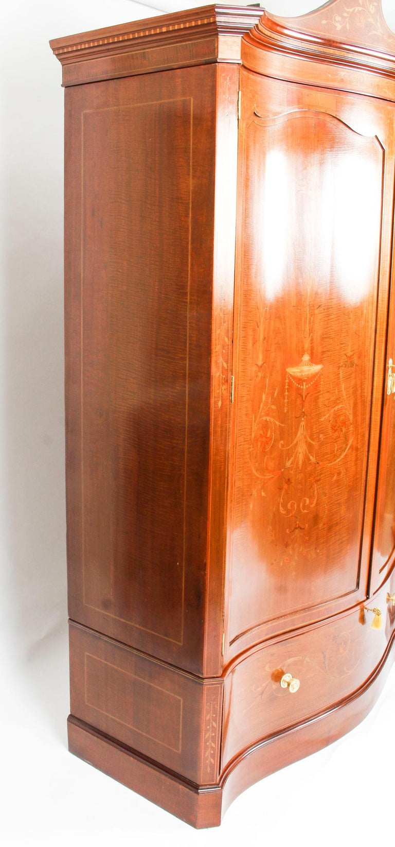 Antique Edwardian Inlaid Wardrobe Attributed to Edwards & Roberts, 19th Century For Sale 7