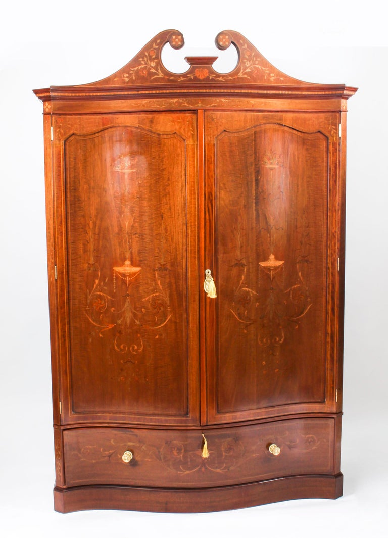 Antique Edwardian Inlaid Wardrobe Attributed to Edwards & Roberts, 19th Century For Sale 11