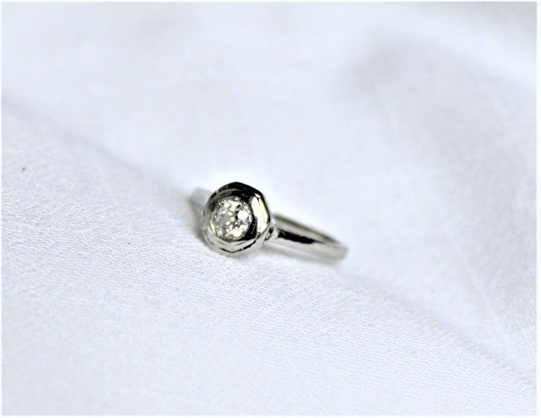 Hand-Crafted Antique Edwardian Ladies 18-Karat White Gold and Diamond Solitaire Ring For Sale