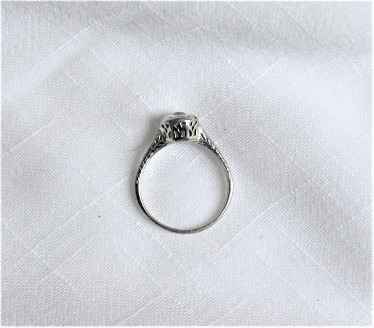 20th Century Antique Edwardian Ladies 18-Karat White Gold and Diamond Solitaire Ring For Sale