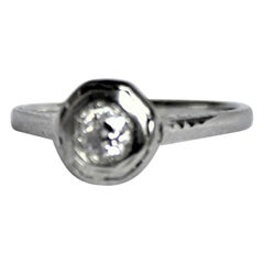 Antique Edwardian Ladies 18-Karat White Gold and Diamond Solitaire Ring