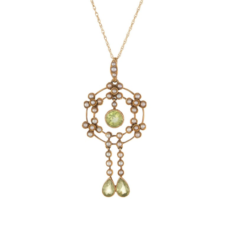Women's Antique Edwardian Lavaliere Pendant Peridot Seed Pearl Necklace 15 Karat Gold For Sale