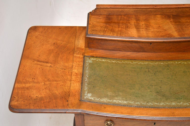 Antique Edwardian Mahogany and Leather Writing Table In Good Condition For Sale In London, GB