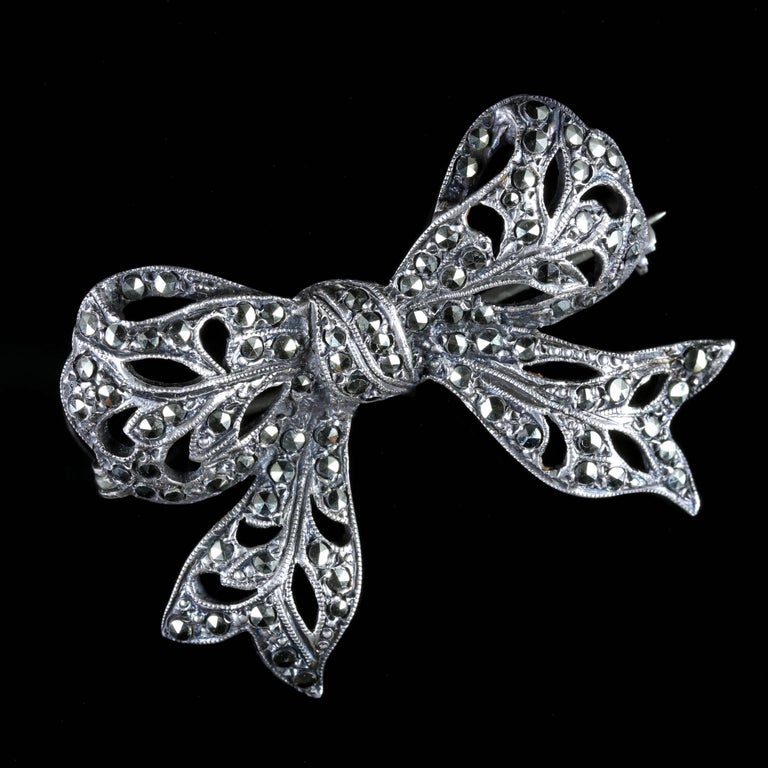 Antique Edwardian Marcasite Bow Brooch Silver, circa 1910 In Excellent Condition In Lancaster, Lancashire