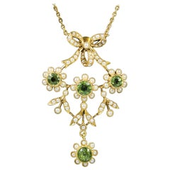 Antique Edwardian Pearl Peridot 18 Carat Gold circa 1910 Pendant Necklace