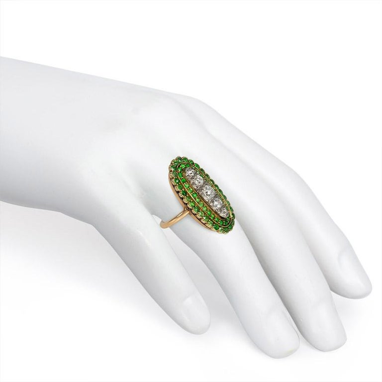 Antique Edwardian Period Demantoid Garnet and Diamond Ring in Gold and Platinum In Good Condition For Sale In New York, NY