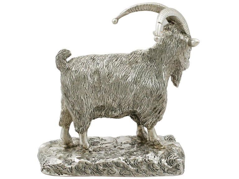 Antique Edwardian Scottish Sterling Silver Military Mascot Goat Ornament In Excellent Condition For Sale In Jesmond, Newcastle Upon Tyne