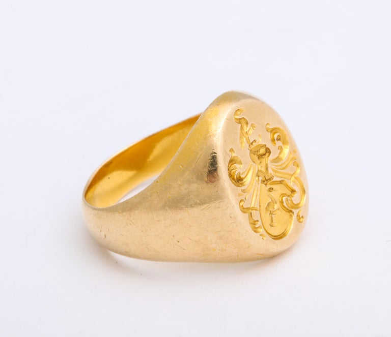 Antique Edwardian Signet Ring of Two Storks by Larter and Sons For Sale 1