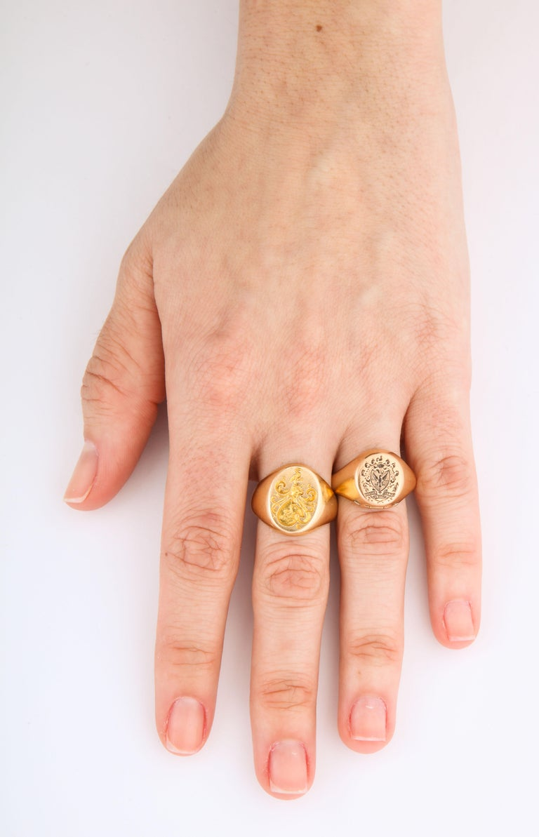 Antique Edwardian Signet Ring of Two Storks by Larter and Sons For Sale 4
