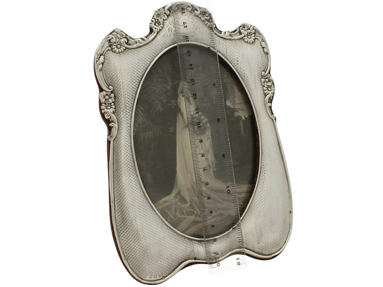 Antique Edwardian Sterling Silver Photograph Frame  For Sale 4