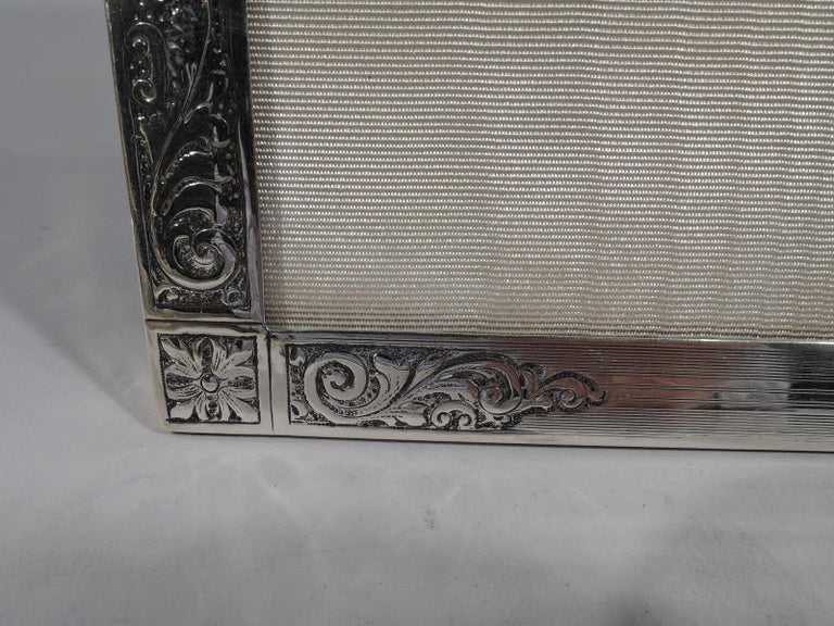 Antique Edwardian Sterling Silver Picture Frame by Birks In Excellent Condition For Sale In New York, NY