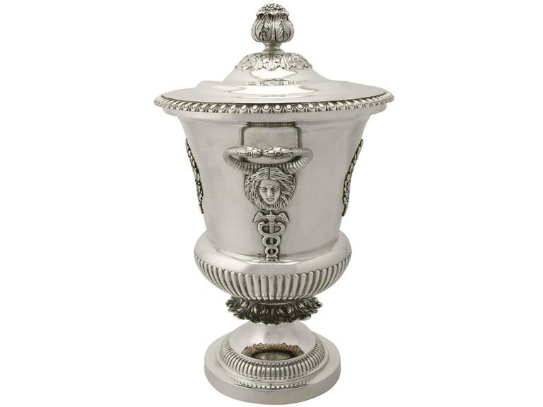 Antique Edwardian Sterling Silver Presentation Cup and Cover In Excellent Condition For Sale In Jesmond, Newcastle Upon Tyne