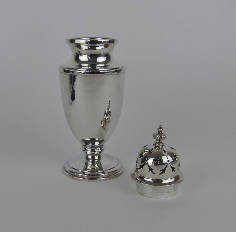 20th Century Antique Edwardian Sterling Silver Sugar Caster from E.S. Barnsley of Birmingham For Sale
