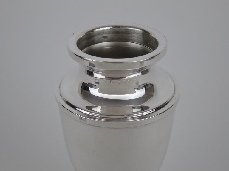 Antique Edwardian Sterling Silver Sugar Caster from E.S. Barnsley of Birmingham For Sale 4