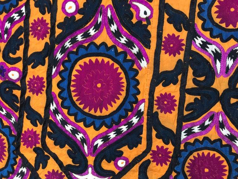 Antique Embroidery Early 20th Century Uzbek Suzani Embroidered In Good Condition For Sale In Saint Ouen, FR