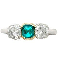Antiker Smaragd und Diamantring Weißgold Trilogie um 1930