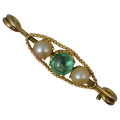 Antique Emerald Cabochon and Pearl 15 Carat Gold Pin Brooch