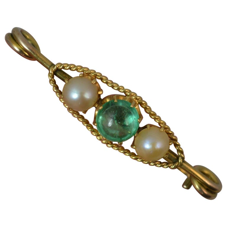 Antique Emerald Cabochon and Pearl 15 Carat Gold Pin Brooch For Sale