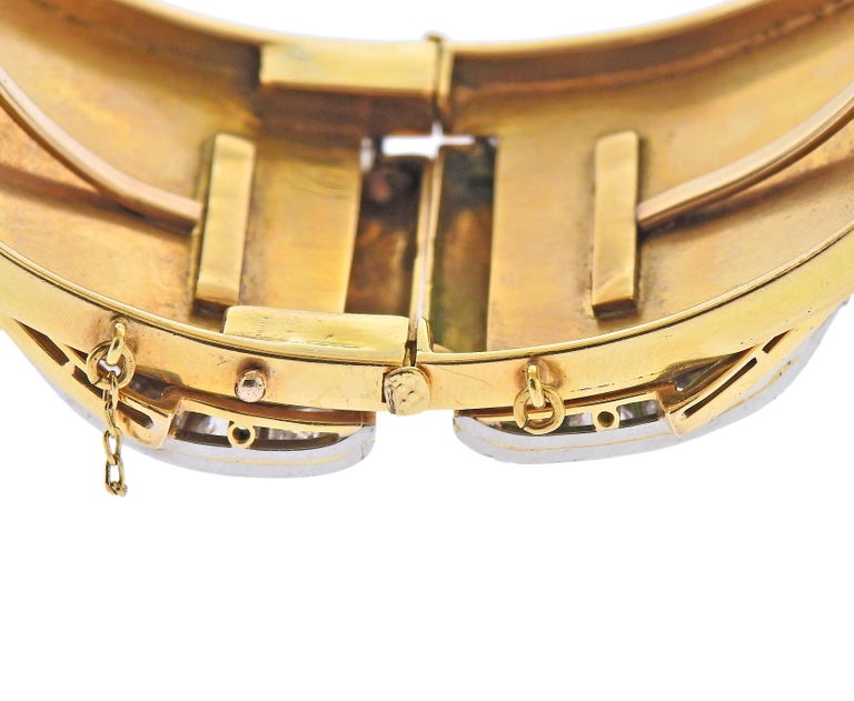 Antique Emerald Diamond Gold Bangle Bracelet In Excellent Condition For Sale In New York, NY