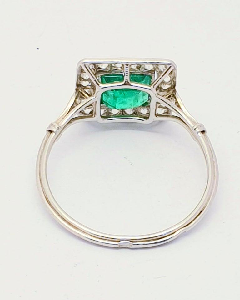 Belle Époque Antique Emerald Diamond Platinum Ring For Sale