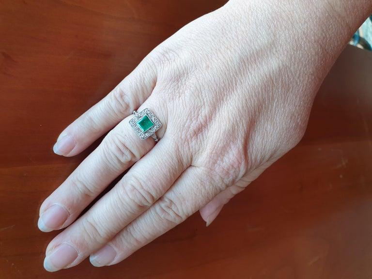 Antique Emerald Diamond Platinum Ring In Fair Condition For Sale In Dublin, IE