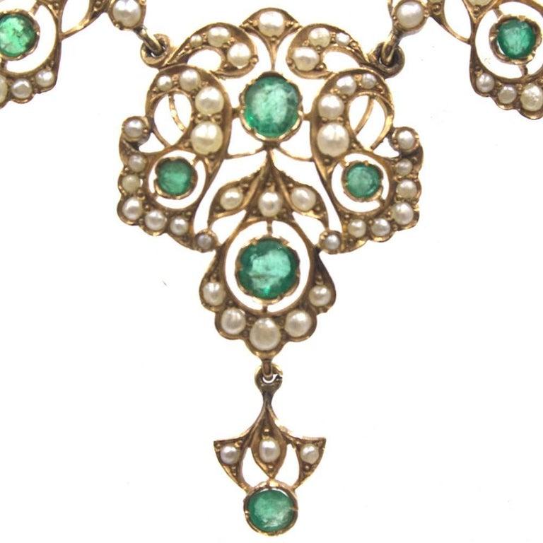 Victorian Antique Emerald Pearl 14 Karat Yellow Gold Choker Necklace