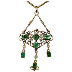 Antique Emerald Pearl Pendant Necklace 14 Karat Gold