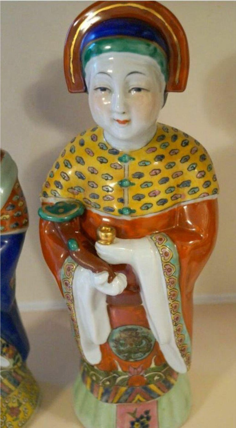 Pair Antique Emperor & Empress Figure Figurine Statue Hand Painted Qing Dynasty In Good Condition For Sale In Wayne, NJ