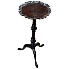 Antique English Mahogny Piecrust Edge Kettle, Candle Stand or Wine Table