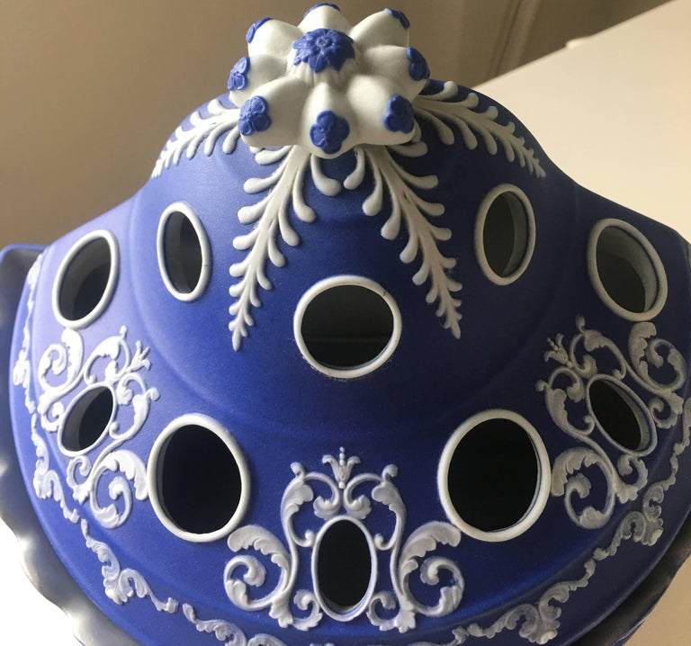 Antique English Blue Jasperware Two-Piece Bulb Pot In Excellent Condition For Sale In Stamford, CT