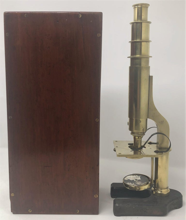 Antique English Brass Monocular Microscope Signed R&J Beck London, 1890-1900 In Good Condition For Sale In New Orleans, LA