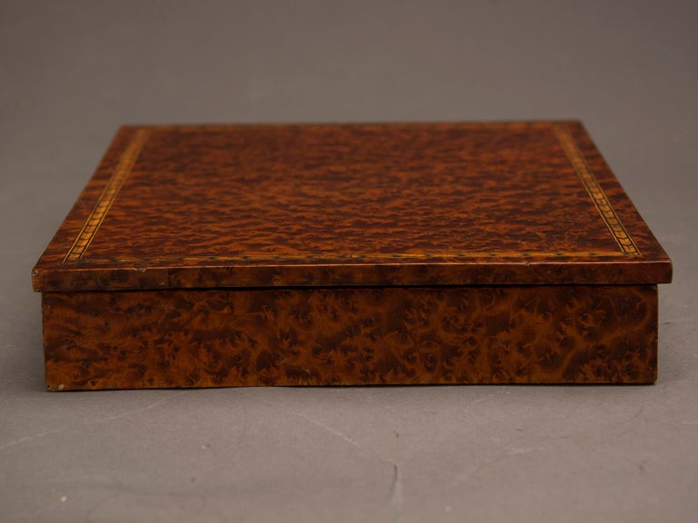 Antique English Burl Walnut Box from England, circa 1890 In Good Condition For Sale In Houston, TX